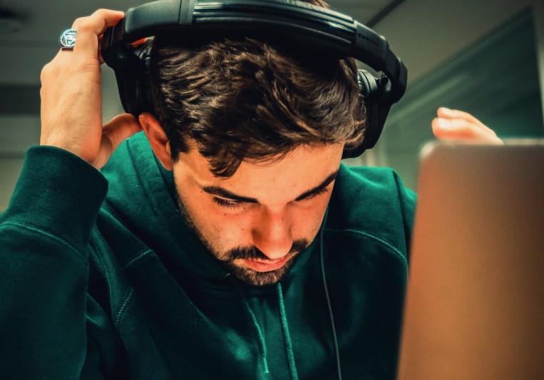 Julian Kusters on SoundBetter