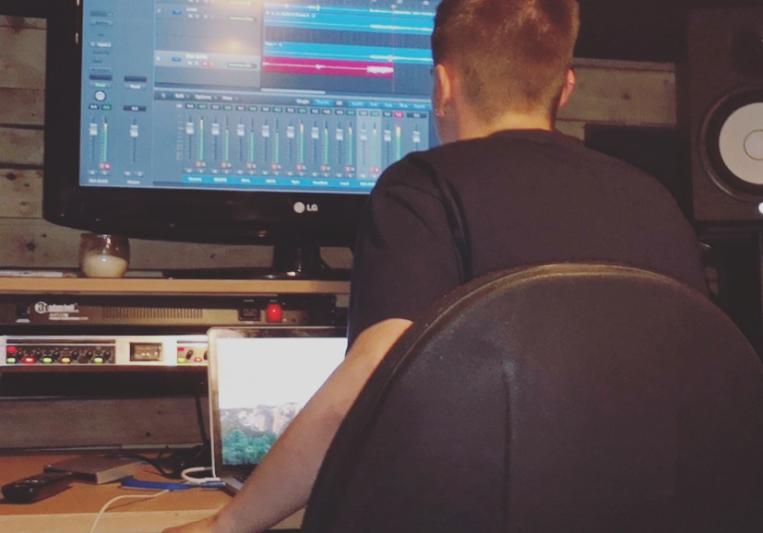 Joshua Tweedale on SoundBetter