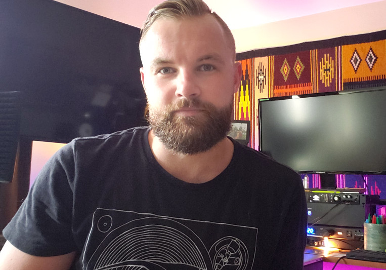 Konstantin Ladilov on SoundBetter