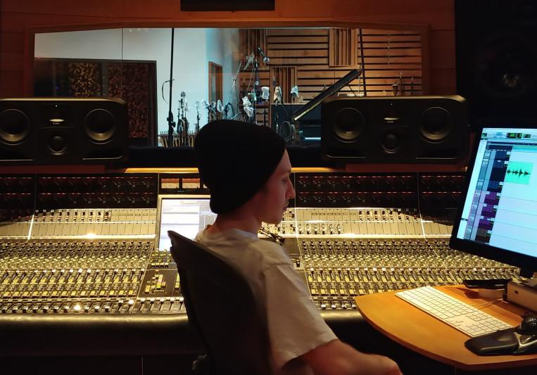 Joshua Neumann on SoundBetter