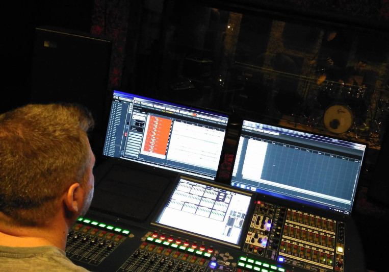Chris Anthoulas on SoundBetter