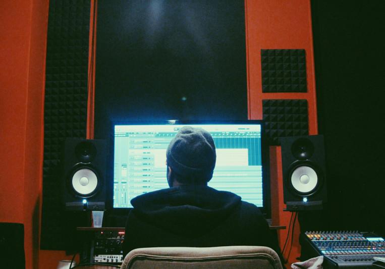 Dollar Bin on SoundBetter