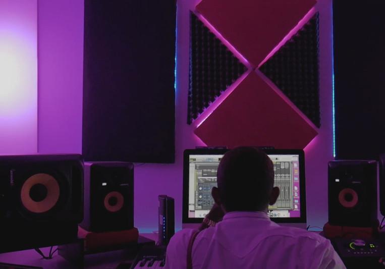 Bossavescomohe on SoundBetter