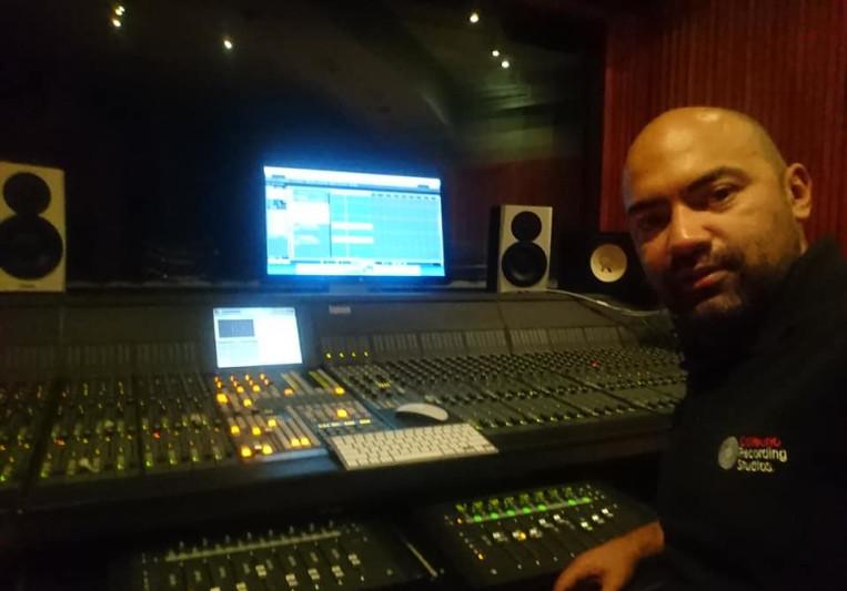 Rolando Jimene< on SoundBetter