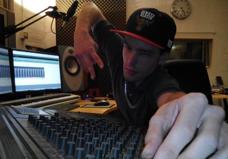 Urs Lünzmann on SoundBetter