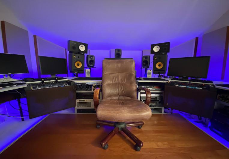 Dennis L. Baxter on SoundBetter