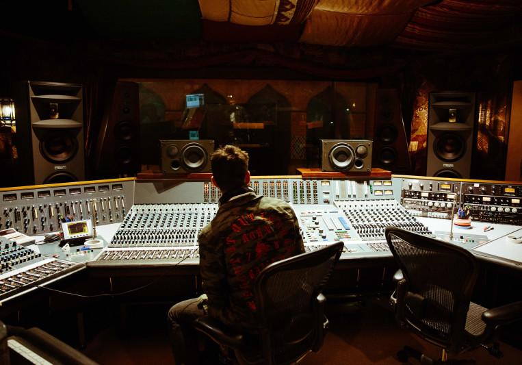 Victor Flores on SoundBetter