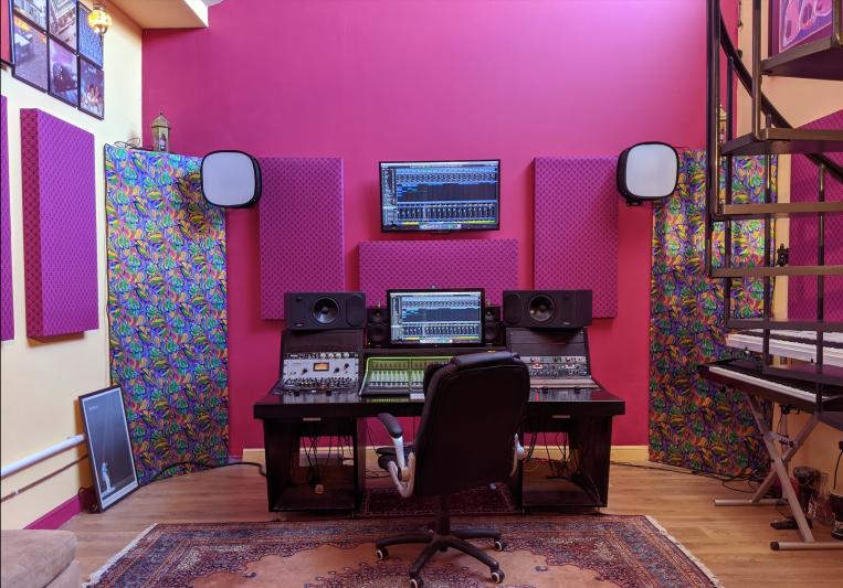 Lonesome Dog Studios on SoundBetter