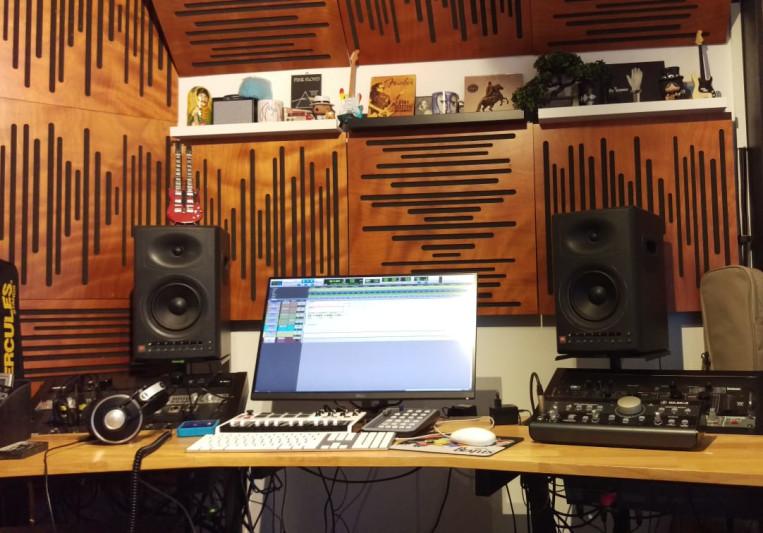 Triola Studio on SoundBetter