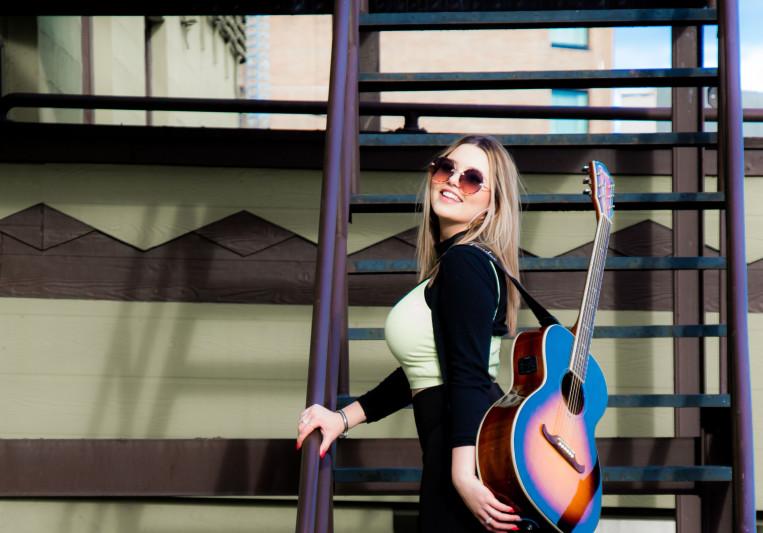 Lauren Spencer-Smith on SoundBetter