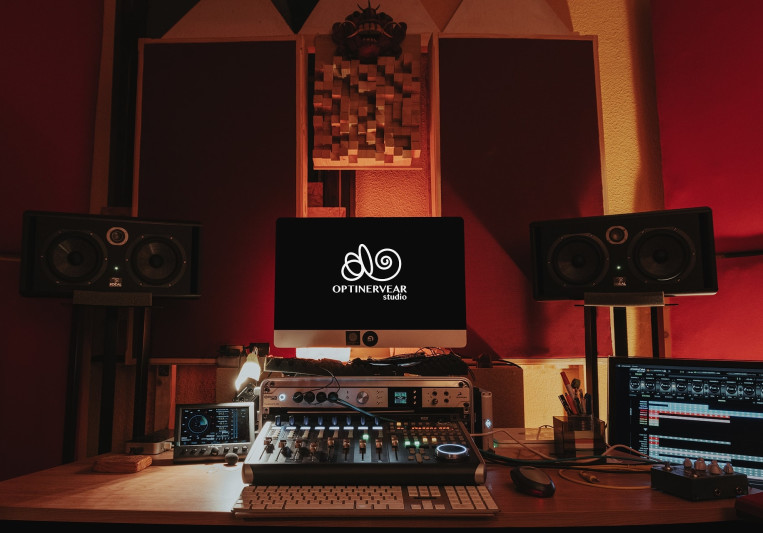 Optinervear Studio on SoundBetter