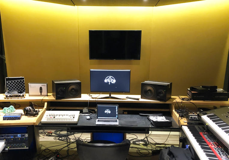 RIGHT FREQUENCY STUDIO on SoundBetter