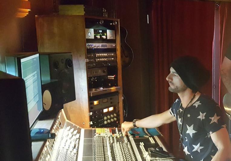 Adrian Newman on SoundBetter