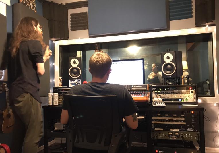 Blue Exit Jeff on SoundBetter