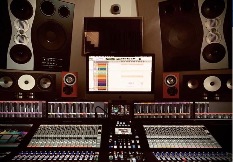 Gianni Bini (House Of Glass) on SoundBetter