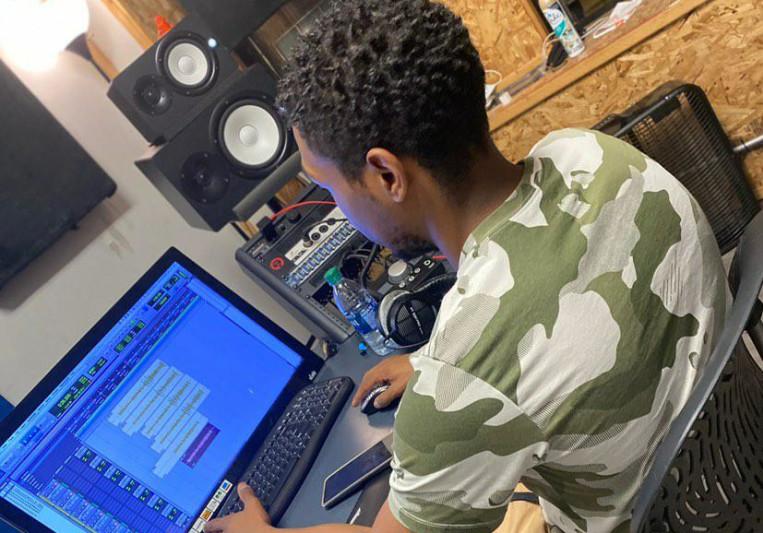 Ever Evolved Studios on SoundBetter