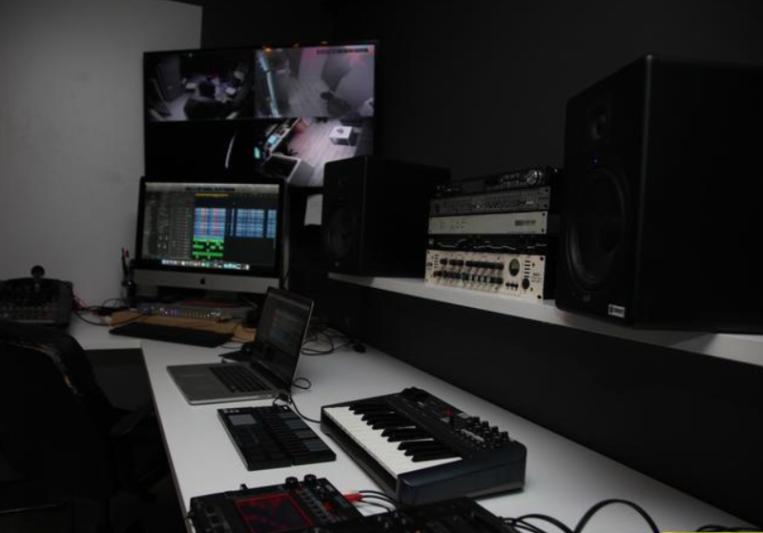 EsmerGofret on SoundBetter