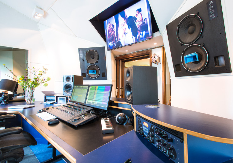 Experienced sound engineer on SoundBetter