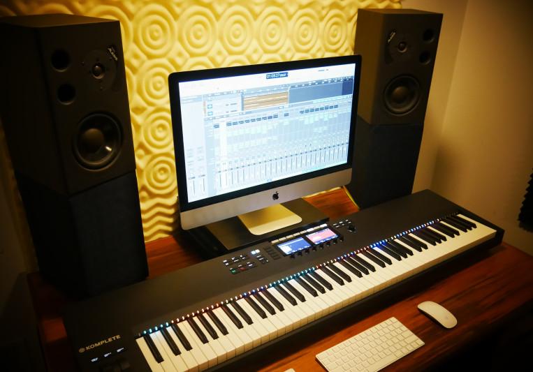 Simon Paparo @fourdoorsstudios on SoundBetter