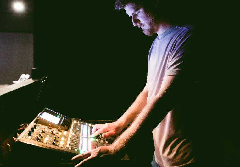 Aaron Hemingway on SoundBetter
