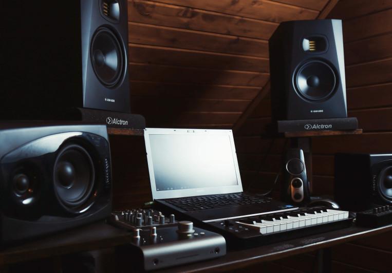 Mara Records on SoundBetter