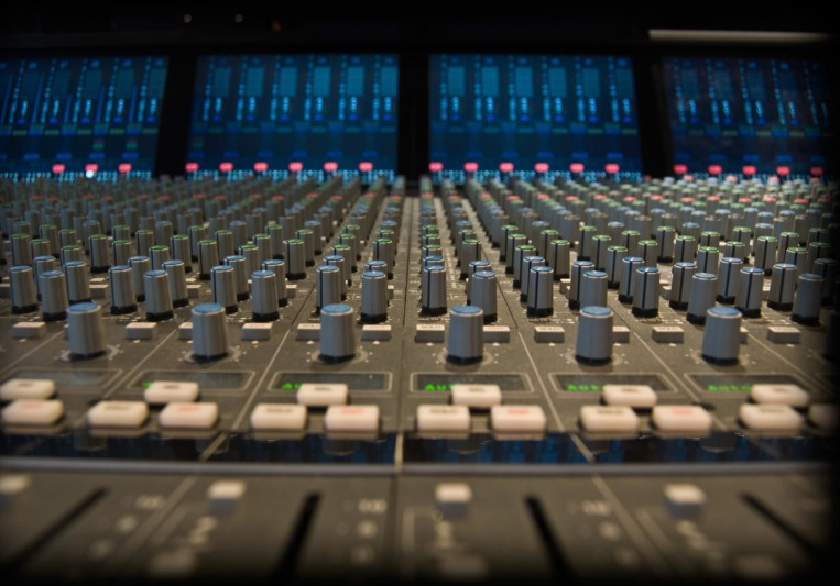 RECORDING STUDIO 550 on SoundBetter
