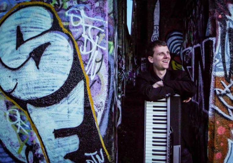 Julian Hartwell Music on SoundBetter