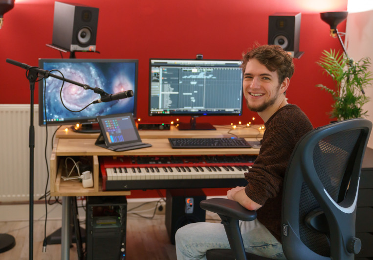Thomas van der Burg on SoundBetter
