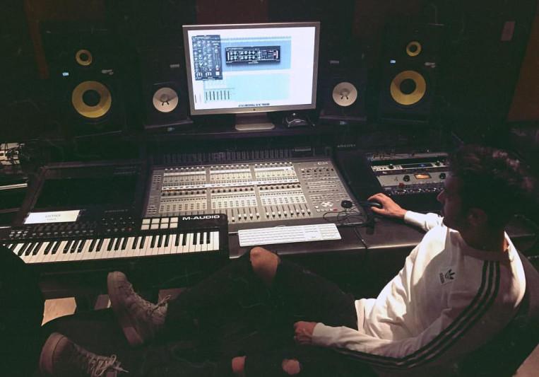 Andrea Ferrara on SoundBetter