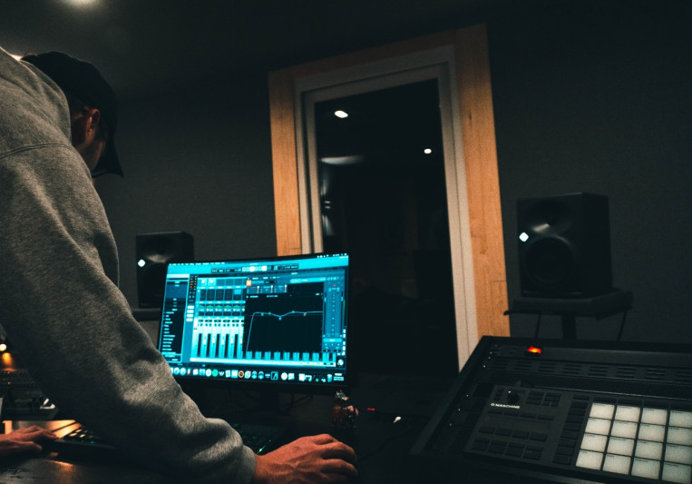 Nuernberg-Lab Studios on SoundBetter