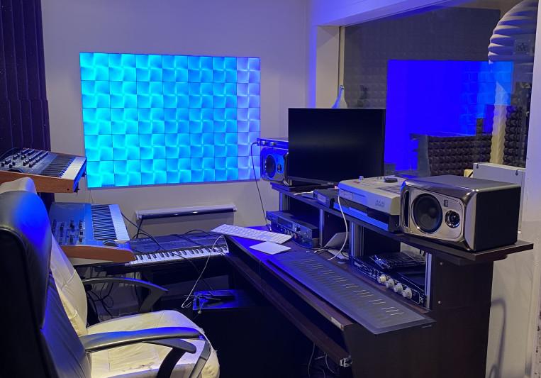 STUDIO PURPLE ( mix engineer) on SoundBetter