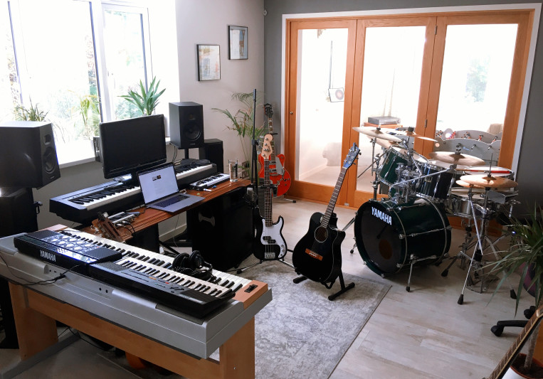 Dylan Holloway on SoundBetter