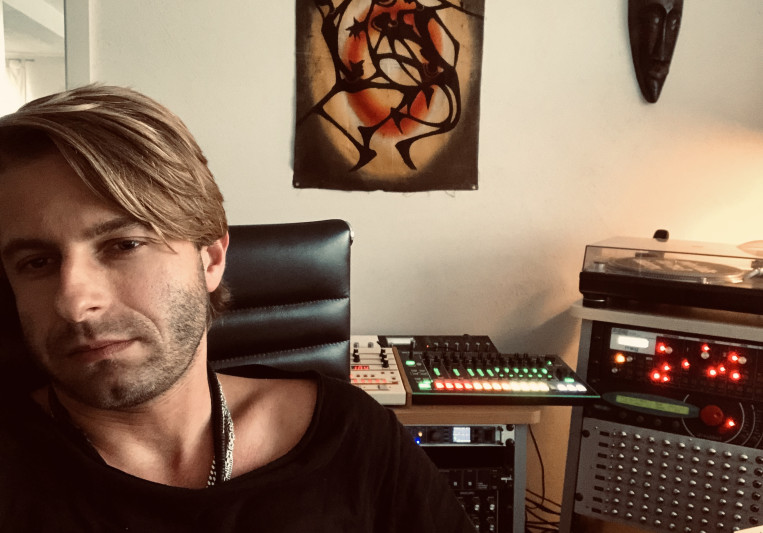 Sascha Dive on SoundBetter