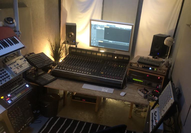 Adam Curtain on SoundBetter
