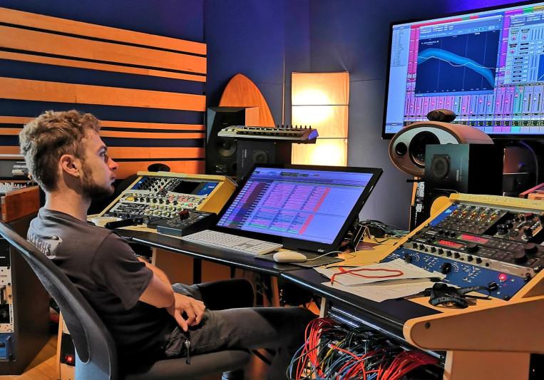 Victor on SoundBetter