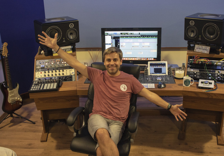 Iago Blanco(Drum&Roll Studios) on SoundBetter