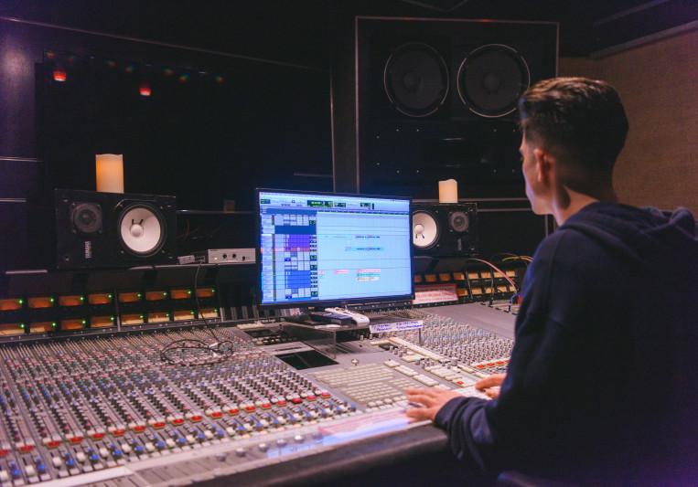 Kyle Burke on SoundBetter