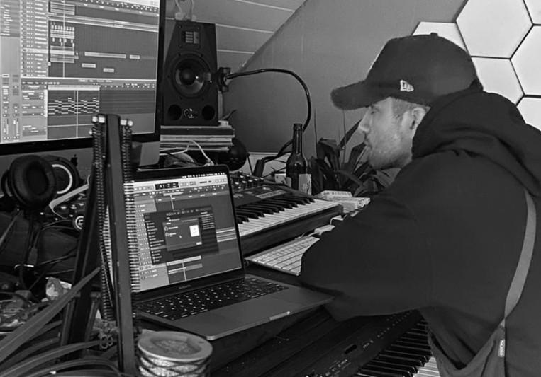 Leon on SoundBetter
