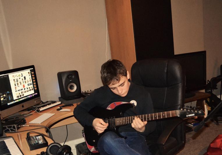 Archie Dewis on SoundBetter