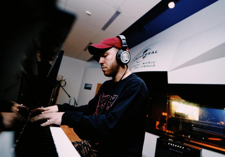 Alexander Bernard on SoundBetter