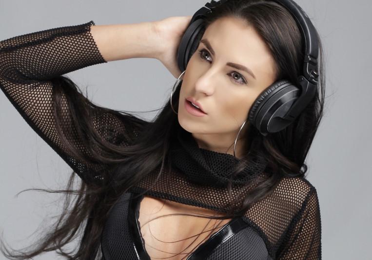 Natalia Moon on SoundBetter