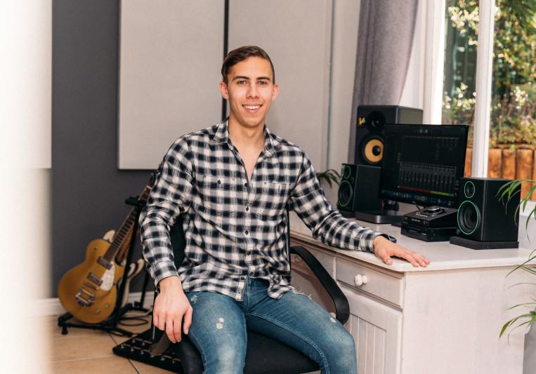 Joshua Riley on SoundBetter