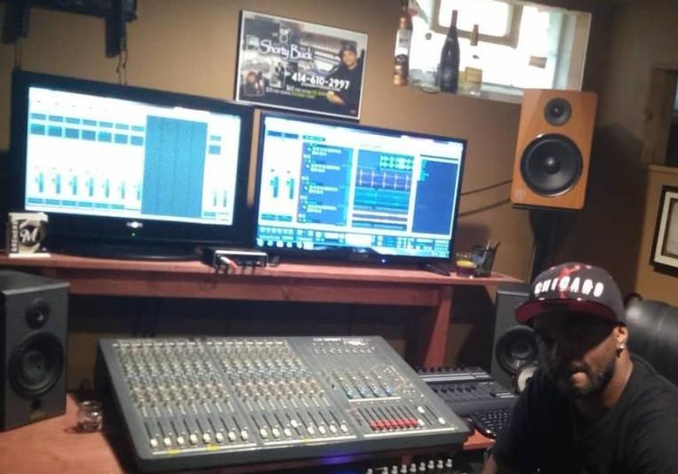 dj buck studio on SoundBetter