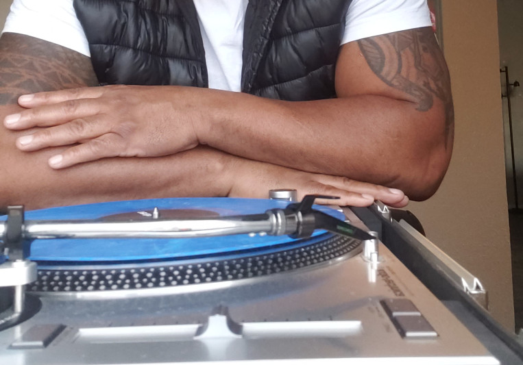DJ DESHAY BEATZ on SoundBetter