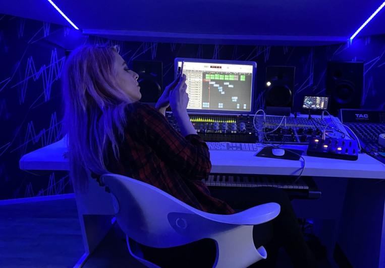 Ari TL on SoundBetter