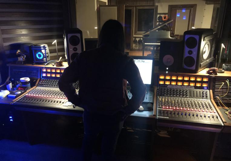 Ryan Avinger on SoundBetter