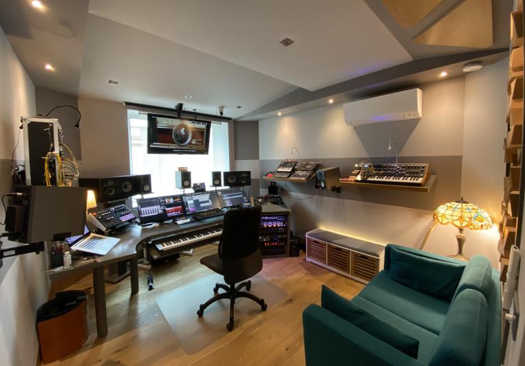 Wider Studio Music on SoundBetter