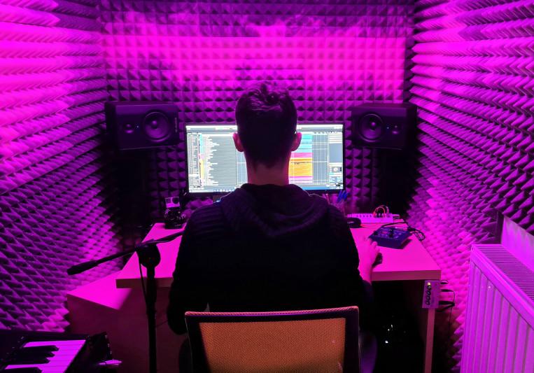 Nicola Cecotti on SoundBetter