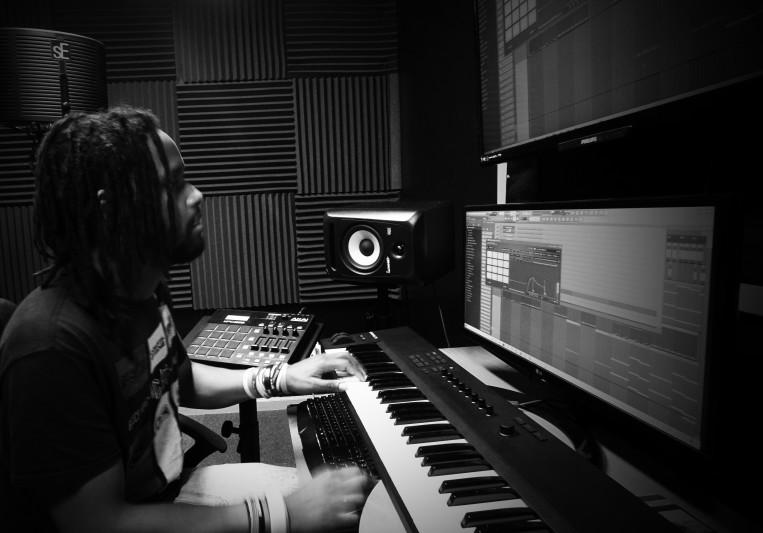 Khomplexx on SoundBetter