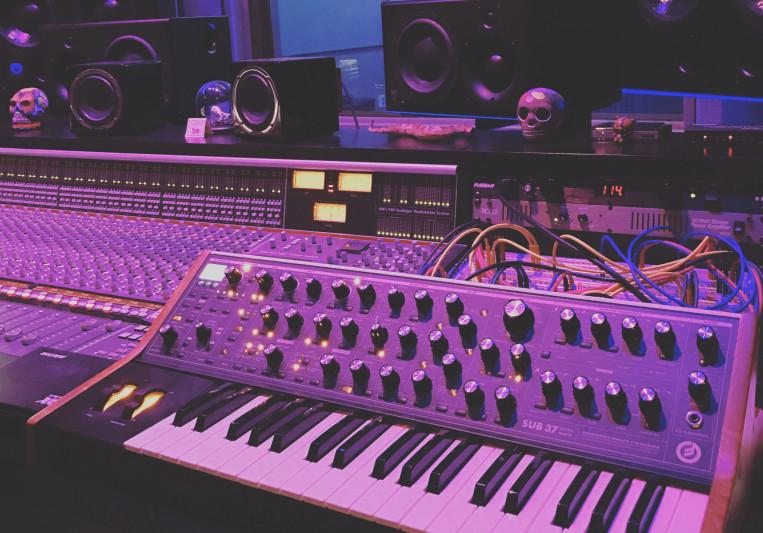Glenn MacRae on SoundBetter